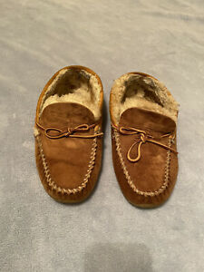 LL Bean Men's Wicked Good Mocs Brown Shearling Lined Suede Slippers Size 9 W