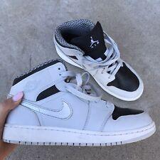 Nike Air Jordan 1 Retro Mid GS Pure Platinum
