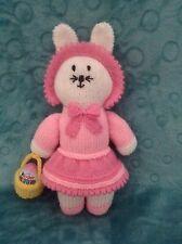 Knitting Pattern-Chloe le Lapin de Pâques lapin avec œuf panier 35 cms doll