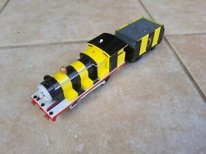 Thomas Trackmaster Bumble Bee James train, battery operated. Rare