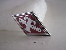 19?? vintage Diamond T Truck cloisonne emblem (**xd445)