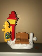 Fisher Price Little People Christmas Red Lamp Post Bench Snow