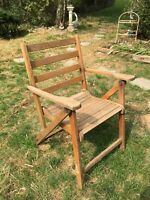 Vtg  Folding Slatted Wood Lawn Deck Chair with Arms