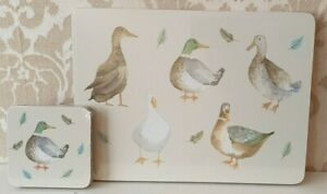 NEW Table 8 PCS Place Mats and Coaster Set Grey White home Bird Pattern Print