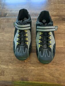 Specialized Taho Mountain Bike - Spin Shoes Men's 10.0 Black and gray
