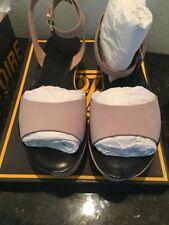 Pour la Victoire Ciara Taupe Nubuck Size 8.5