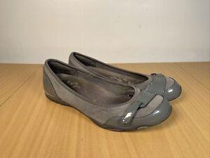 Skechers Women's Sporty Gray Suede Flats SN 21857 Hook & Loop Strap Size UK6
