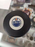 Edmonton Oilers Official NHL Logo Souvenir Hockey Puck