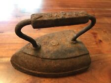 Vintage Rusty Steam Iron Old Folk Art 9 LBS