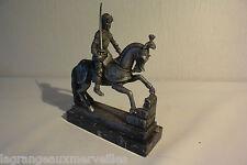 C51 Magnifique soldat sur son cheval avec pied en marbre signé ITALY