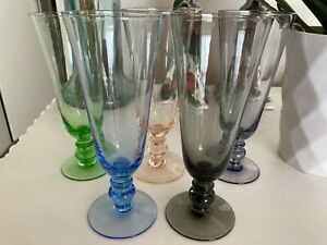 1960s - 5 X COLOURED CHAMPAGNE GLASSES - IN BEAUTIFUL CONDITION - 16cms high