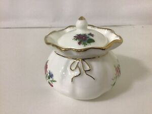 Royal Albert Flowers Of The Month Dorothy Pot ,Bone China /.Mint / Mixed Flowers