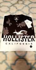 New With Tag Hollister Men's Graphic T-shirt white black floral SMALL