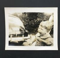 Angry CRYING Child Boy Old Car 1940s Teeth Mouth Vtg Snapshot PHOTO WW2 Virginia