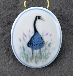 P Buckley Moss Society ON A SUMMER DAY Pin Brooch Pendant 2014 Porcelain Goose