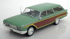 1:18 MCG Ford Country Squire with wood look 1960 greenmetallic