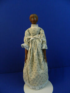 """UFDC 331-2020  16-1/2"""" wooden doll"""