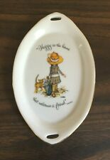 """Holly Hobbie """"Happy Is The Home That Welcomes A Friend"""" Dish"""
