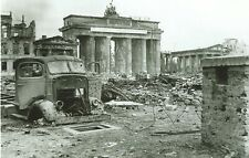 WW II German Photo  <  5 x 7 Inch  >      Berlin  1945  .