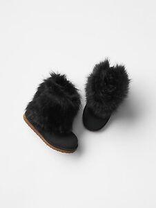 GAP Baby / Toddler Girl Size 6 US / 23 EU Black Faux Fur Furry Booties / Boots