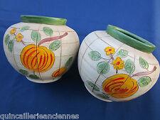 Paire vases décorées poterie signé B2-49 GJ fabrication artisanale