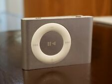 USED EXCELLENT CONDITION - Apple iPod shuffle 2nd Generation Silver (1 GB)