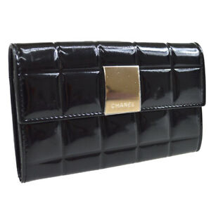 CHANEL CC Logos Choco Bar Coin Purse Wallet Black Patent Leather 7602691 32509
