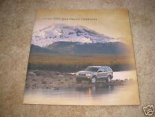 2005 Jeep Grand Cherokee Limited Laredo sales brochure dealer literature