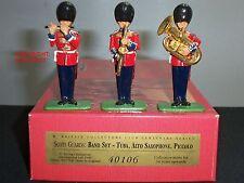 BRITAINS 40106 SCOTS GUARD BAND TUBA ALTO SAXOPHONE PICCOLO TOY SOLDIER SET