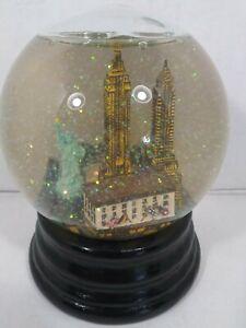 New York Skyline Snow Globe