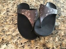 Fitflop Gray Snake Print Flip Flop Size 9 Womens