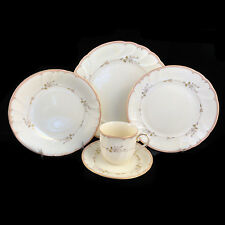 MONTICELLO Mikasa Fine Ivory China L9777 5 Piece Place Setting made in Japan