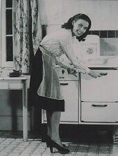 "*Postcard-""Mom's Old-fashioned Kitchen Stove""  ...Classic-"