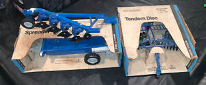 1980s VINTAGE FARM TOY FORD MANURE SPREADER DISK PLOW BLUE BOXES NEW HOLLAND