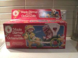 Strawberry Shortcake Maple Stirrup & The Oatsmobile in original box *complete