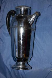 Vintage Art Decco Chrome Cocktail Shaker w/screw on spout