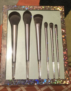 Sephora  all is bright brush set ( Full Size)