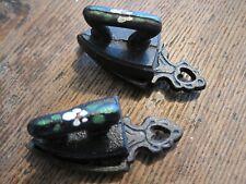 VTG LOT OF 2 Painted Cast Iron Miniature Toy Sad Iron&Stand-1-SOUVENIR MT VERNON