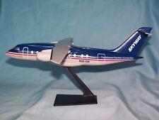 SKYWAY - MIDWEST EXPRESS AIRLINES DORNIER 328 - 300 DESK MODEL