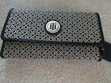 Tommy Hilfiger Women's Checkbook Wallet Signature With Black Trim Print NWT