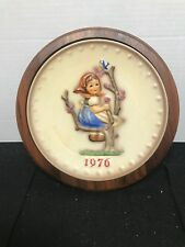1976 M.I. Hummel Annual Plate in Bas Relief - Goebel