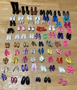 Lot 77 VTG MOD BARBIE KEN KELLY SKIPPER FRIENDS ETC. SHOES HEELS BOOTS