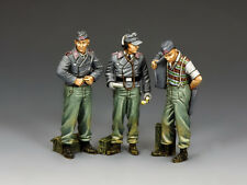WH090 Dismounted Assault Gun Crew by King & Country