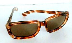 31211ATABBL Italy Vintage 1960 Sunhawk Style Sunglasses