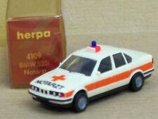 """BMW 535i Limousine in creme """"Notarzt"""" mit OVP, unbespielt, Herpa, 1:87"""