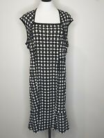 Basque Black / White Sleeveless Office Party Dress / Size 16