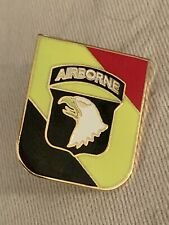 101ST AIRBORNE DIVISION HAT / LAPEL PIN - GOLD - - NEW OLD STOCK Unused