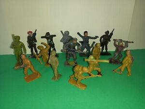 CHERILEA WW2 AND MODERN SOLDIERS, x15, 1950s/1960s, PLASTIC TOY SOLDIERS