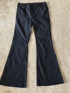 DKNY Black Nylon Pants Size 7 Sexy Sleek Style Fun To Wear NEW