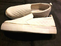 WHITE NEW LOOK LADIES SLIP ON FLATFORM TRAINERS SIZE UK 4